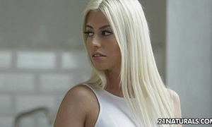 Dispirited french comme ci jessy volt enjoys a sexy lovemaking