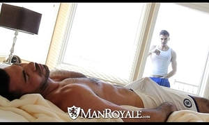 Manroyale - peeping ray gets screwed unconnected with a daddy