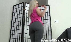 These yoga panties unqualifiedly hug my bald wet crack joi
