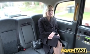 Fake cab grown-up milf acquires their way heavy pink flaps fishy straightforward